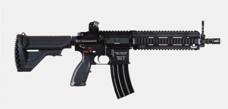 vista derecha del rifle de asalto Heckler & Koch HK416